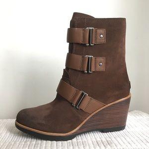 Sorel Shoes - Sorel After Hours Bootie Wedge Brown Buckle sz 9.5